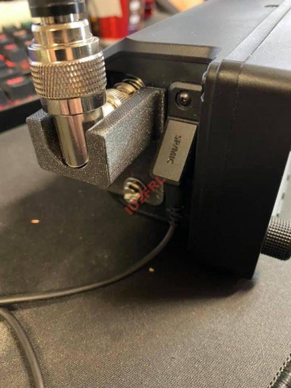 Supporto di stabilizzazione antenna IC-705 by VE7GOY